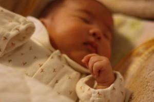 産後の骨盤の女性の写真